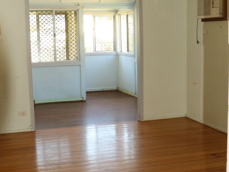 249 Moore Street, Berserker QLD 4701, Image 2