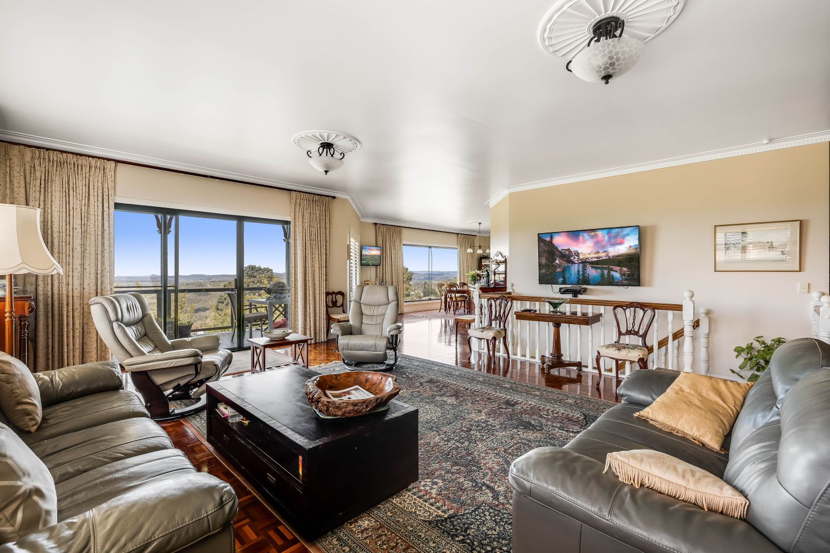 10 Katoomba Crescent, Prince Henry Heights QLD 4350, Image 2
