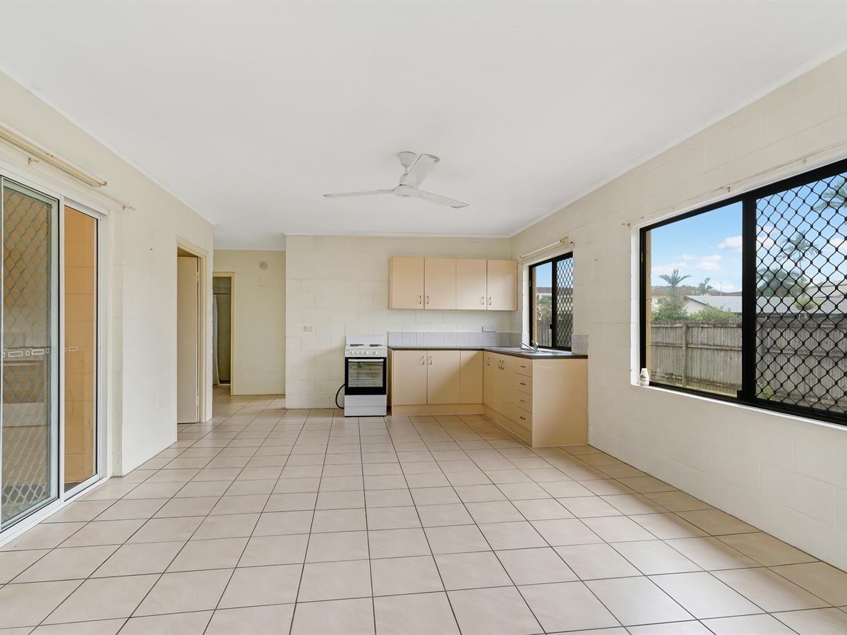 2/16 Herries Street, Earlville QLD 4870, Image 0