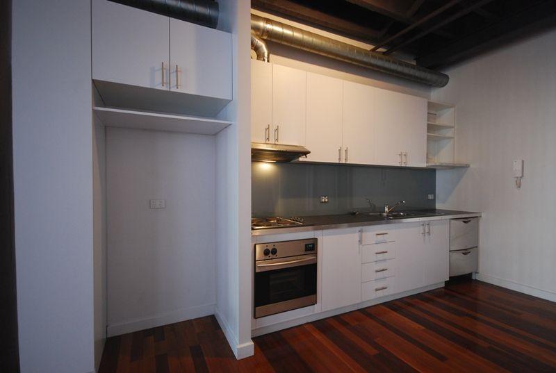 11/11 Anderson Street, West Melbourne VIC 3003, Image 2