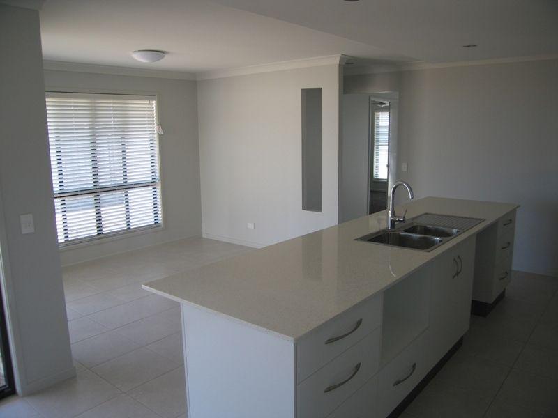 3 Lauren Drive, Emerald QLD 4720, Image 2