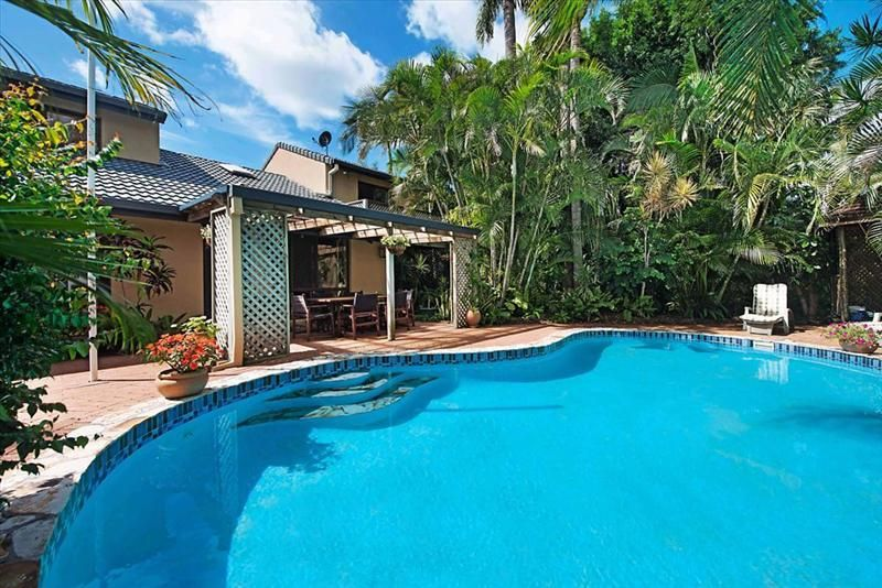19 Henning Court, Mermaid Waters QLD 4218, Image 0