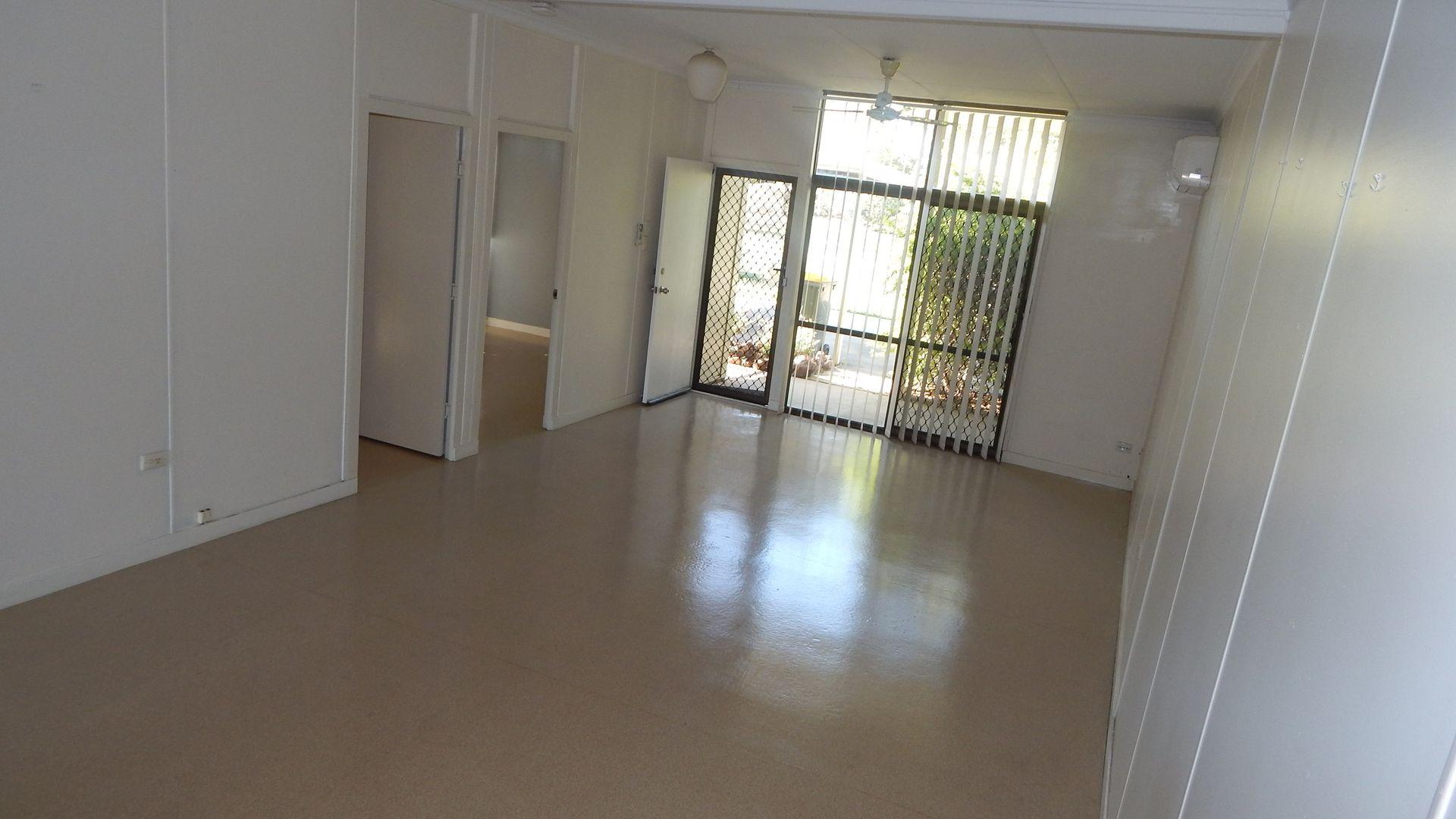 2/16 Jackson Avenue, Moranbah QLD 4744, Image 1