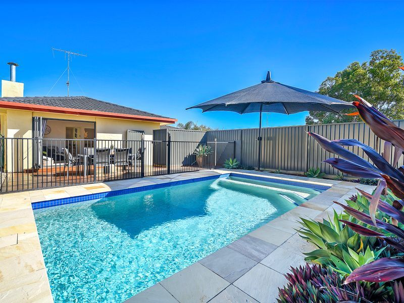 13 Oakwood Terrace, Palm Beach QLD 4221, Image 0