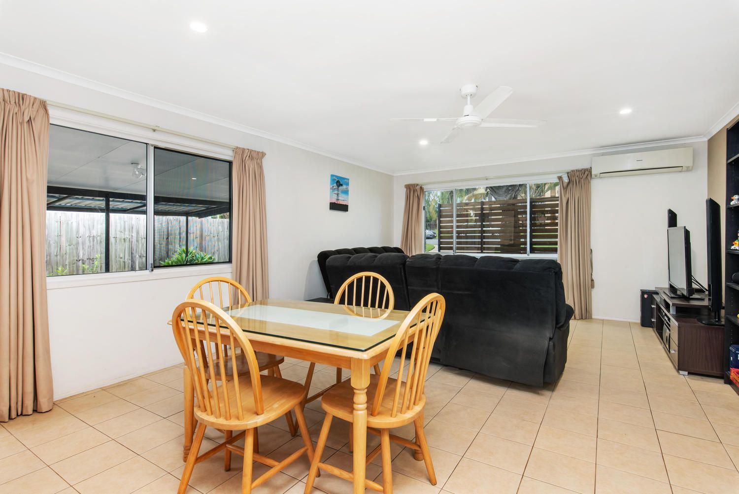 37 Parklands Ave, Browns Plains QLD 4118, Image 2