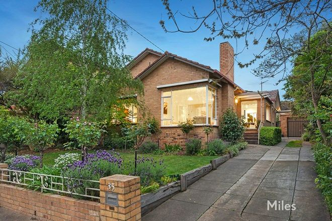 Picture of 35 Mountain View Parade, ROSANNA VIC 3084