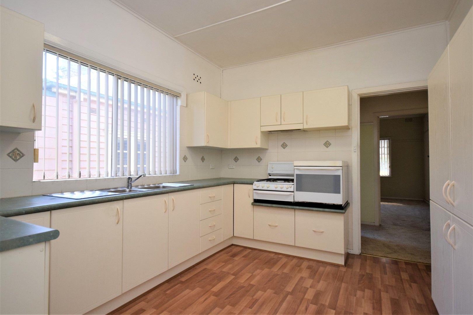 4 Worrigee Street, Nowra NSW 2541, Image 2