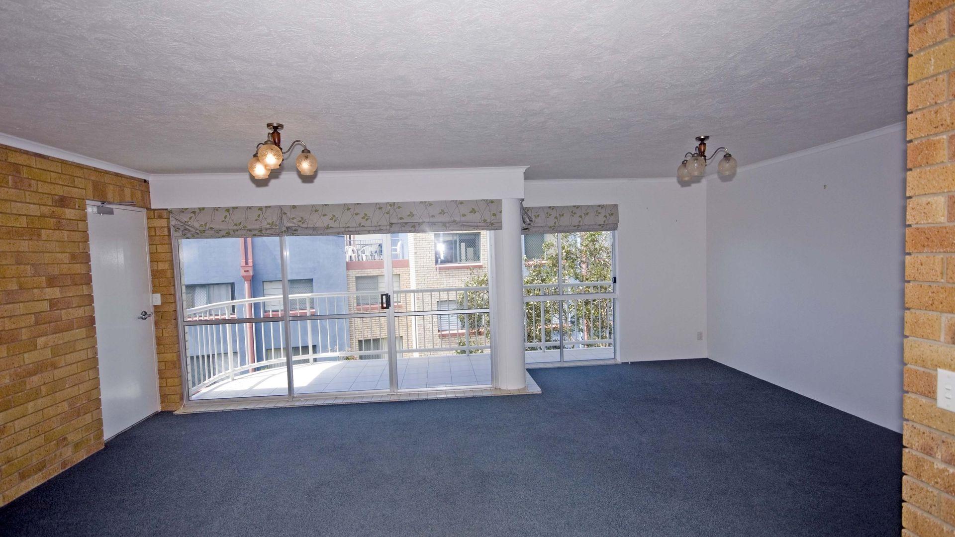 5/9 Orvieto Terrace, Kings Beach QLD 4551, Image 2