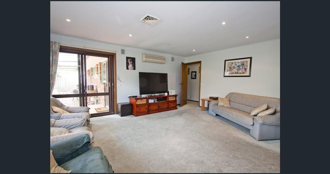12 Minogue Crescent, Hoppers Crossing VIC 3029, Image 2