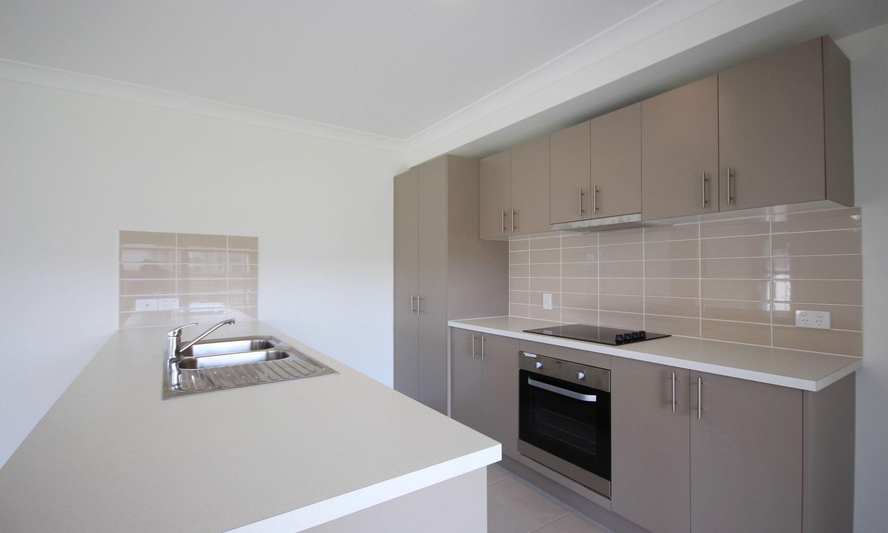 6 Cornelia Street, Leichhardt QLD 4305, Image 2
