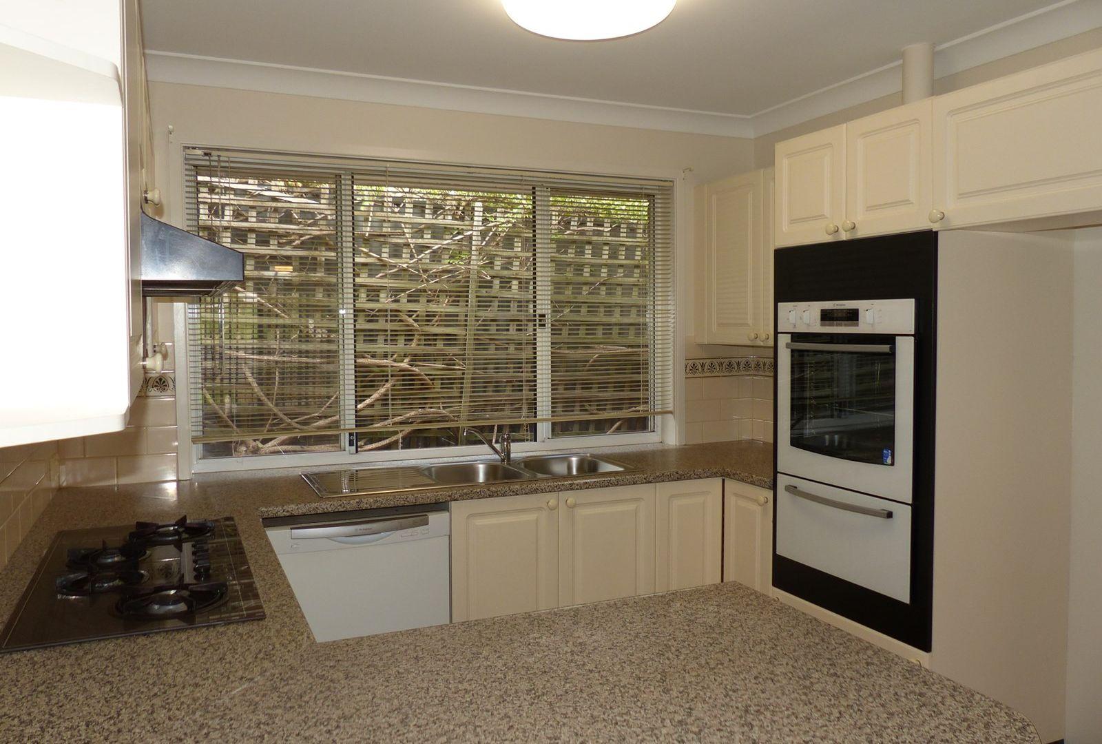 2 Highgrove Place, West Albury NSW 2640, Image 1
