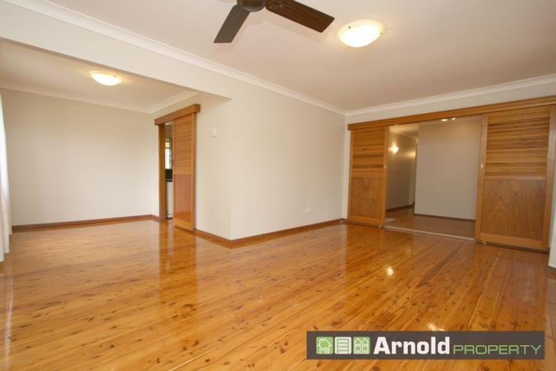 11 Lowana Crescent, Kahibah NSW 2290, Image 1