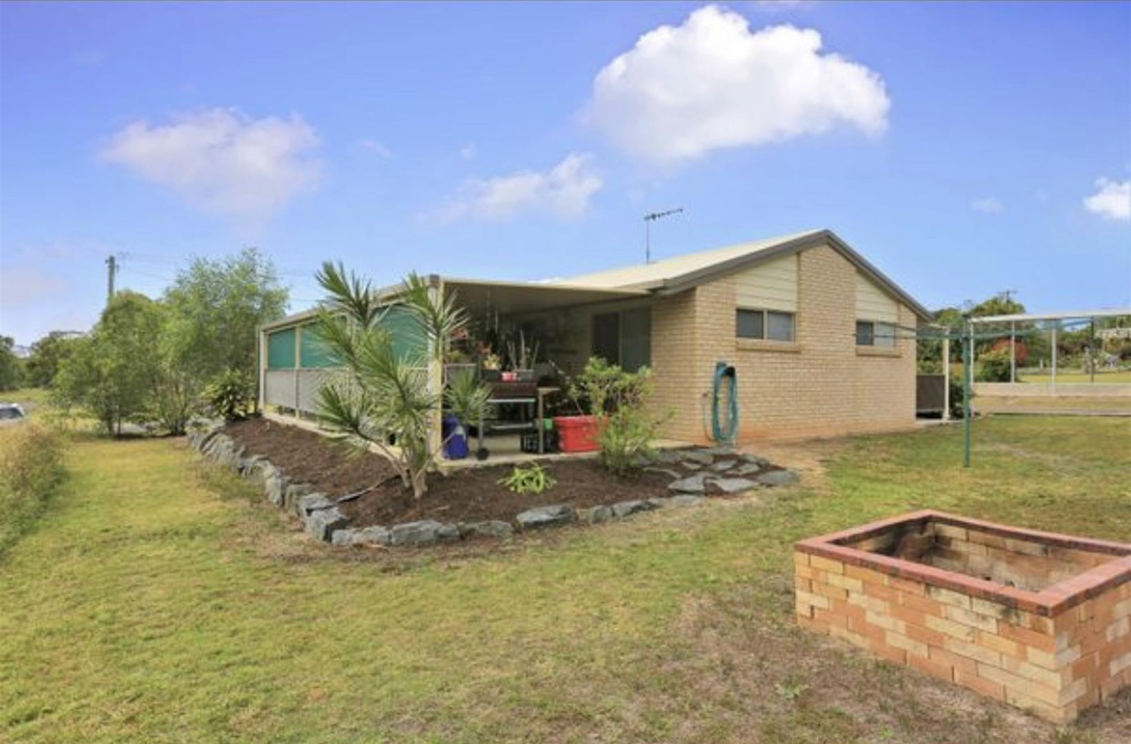 27 Blue Water Road, Booral QLD 4655, Image 1