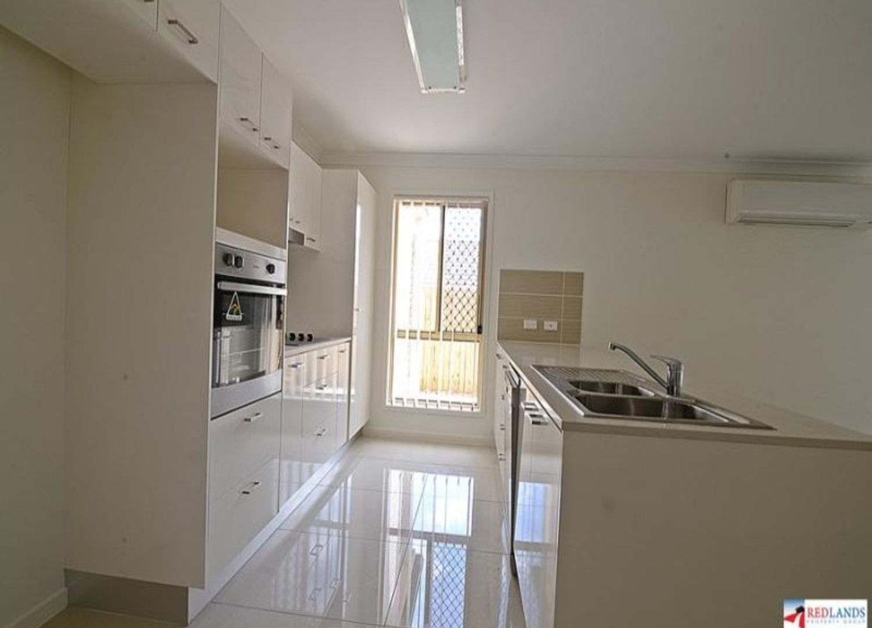 124 Bankswood Drive, Redland Bay QLD 4165, Image 2