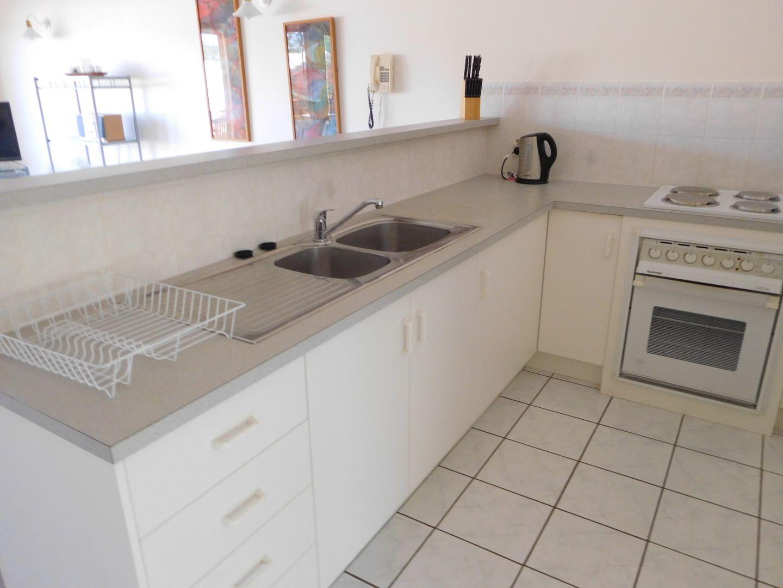 Unit 5/119 Freshwater Street, Torquay QLD 4655, Image 2