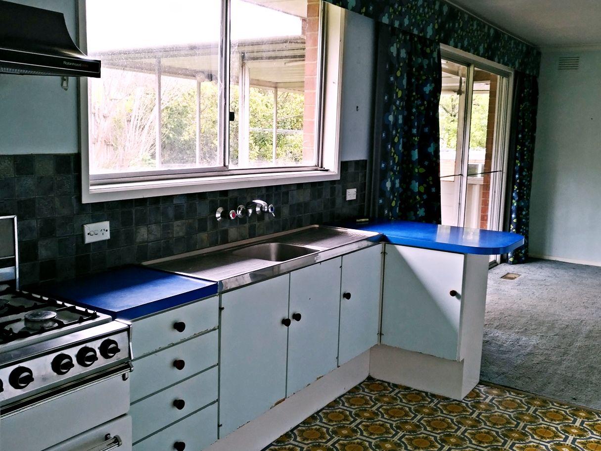 2 Rubida Court, Endeavour Hills VIC 3802, Image 2
