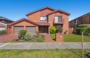 Picture of 25 Windsor Drive, Avondale Heights VIC 3034