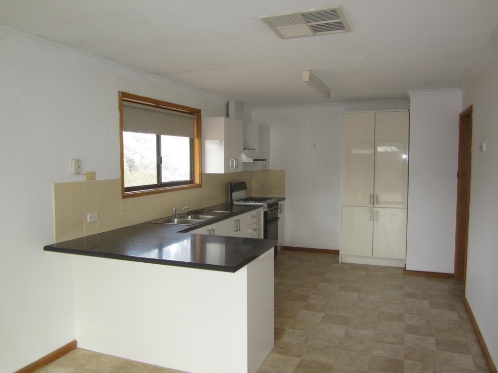 25 Arcoona St, Roxby Downs SA 5725, Image 2