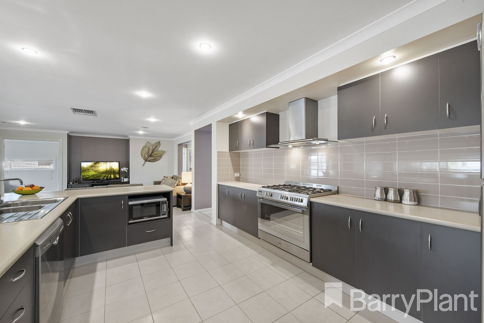 3 Northgate Drive, Harkness VIC 3337, Image 2