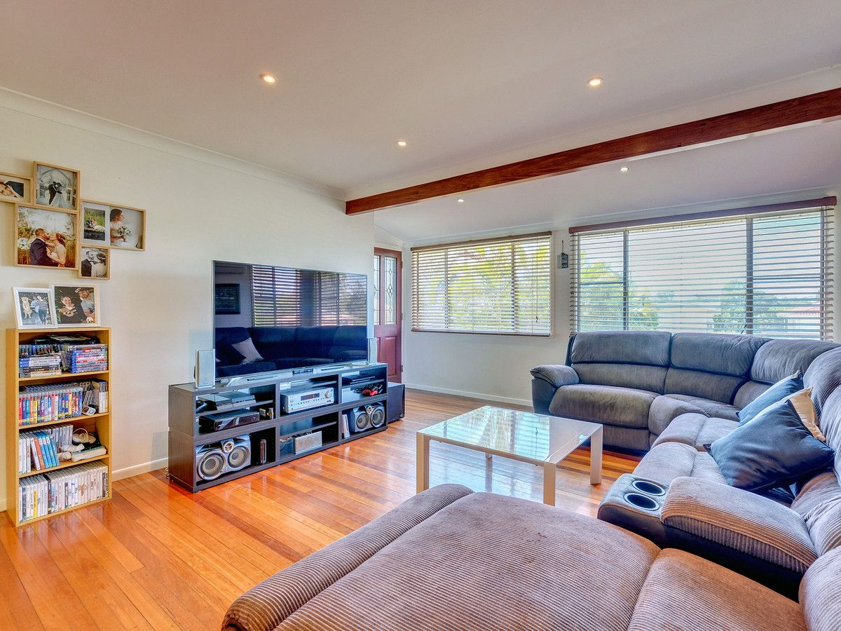15 Cornucopia Street, Manly West QLD 4179, Image 2