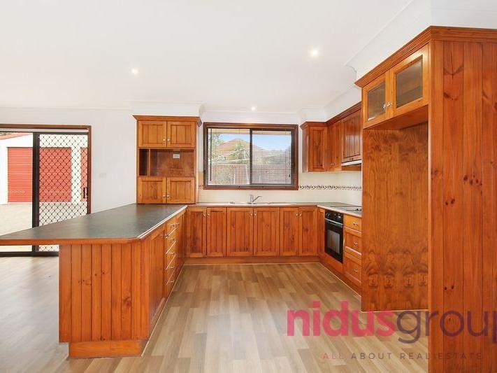 14 Charmer Crescent, Minchinbury NSW 2770, Image 2
