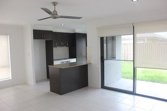 87 Scarborough, Blacks Beach QLD 4740, Image 1