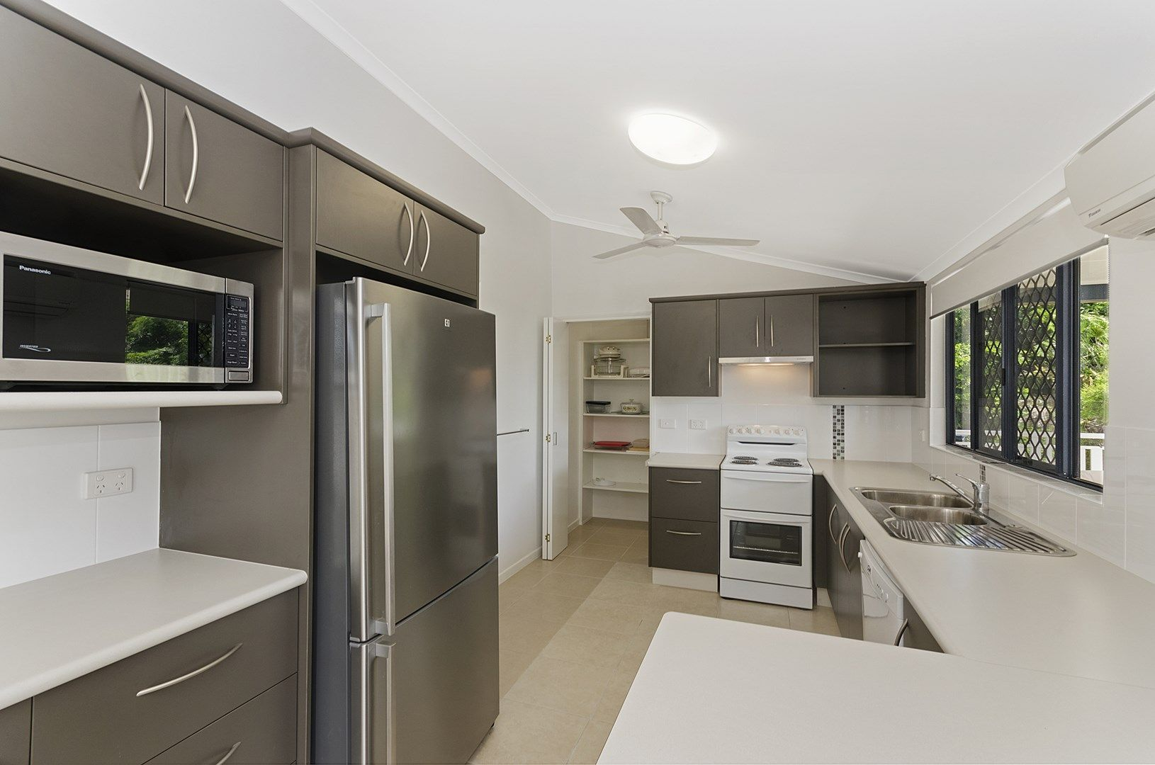 4 Queens Road, Railway Estate QLD 4810, Image 0