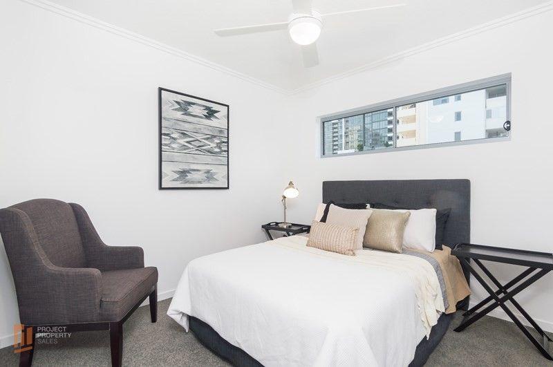 204/25 Walsh Street, Milton QLD 4064, Image 2