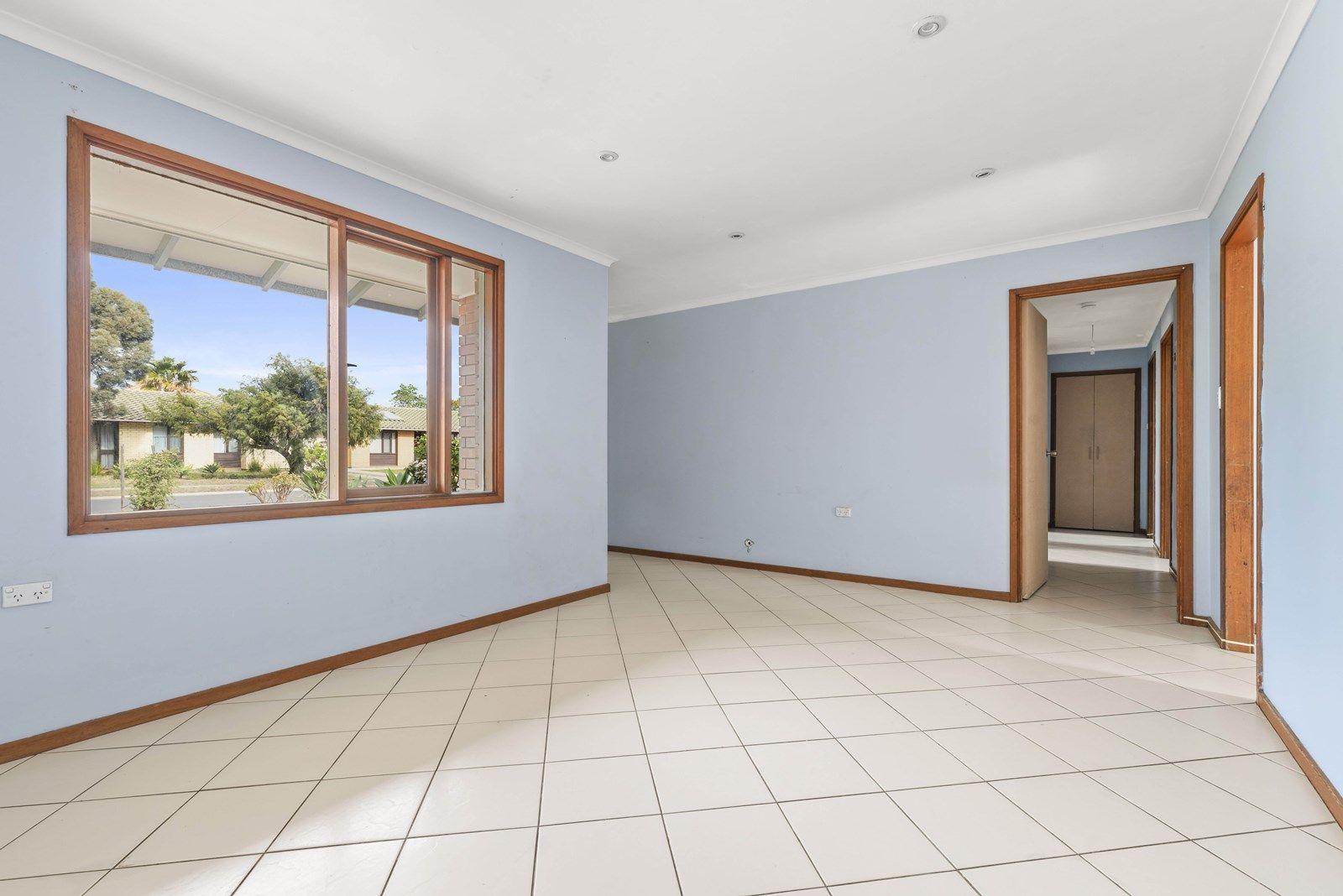 2 Devlin Road, Novar Gardens SA 5040, Image 2