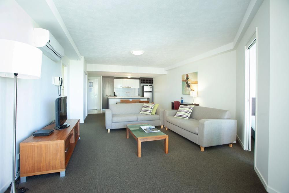 809/18 'Wings' Fern Street, Surfers Paradise QLD 4217, Image 2