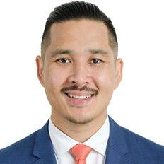 Tony Ngo, Sales Agent
