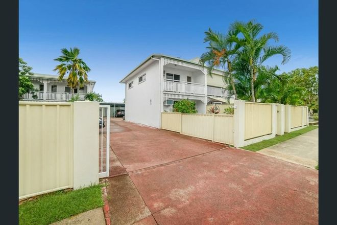 Picture of 2/6 Palm Street, HOLLOWAYS BEACH QLD 4878