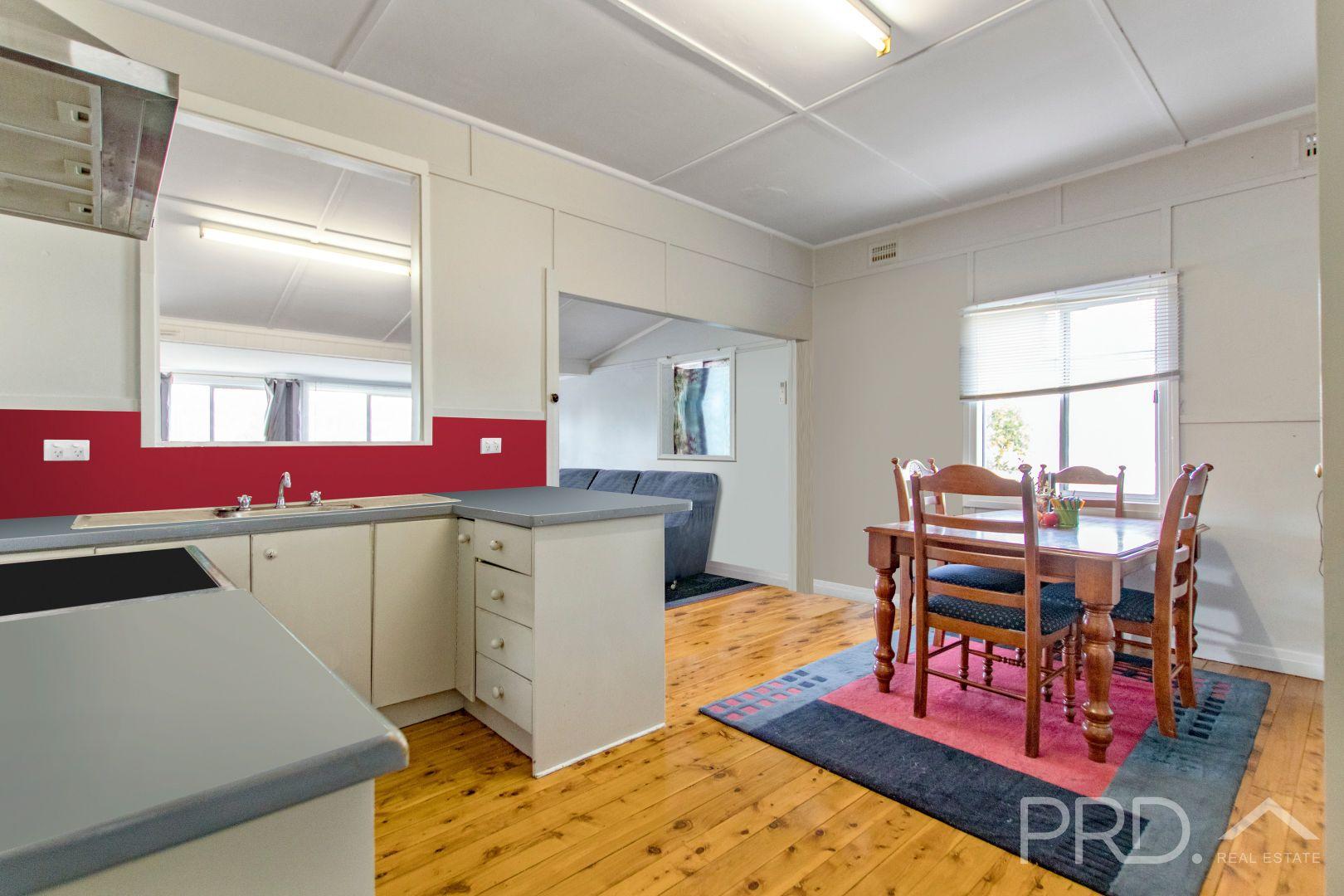 98 Russell Street, Tumut NSW 2720, Image 1