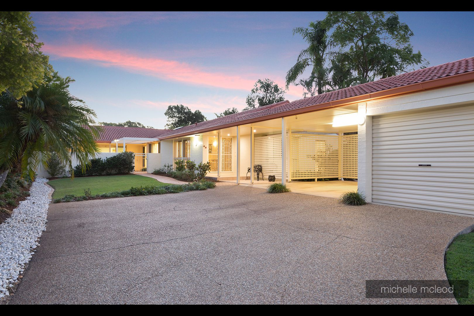 17 Dornie Place, Fig Tree Pocket QLD 4069, Image 1