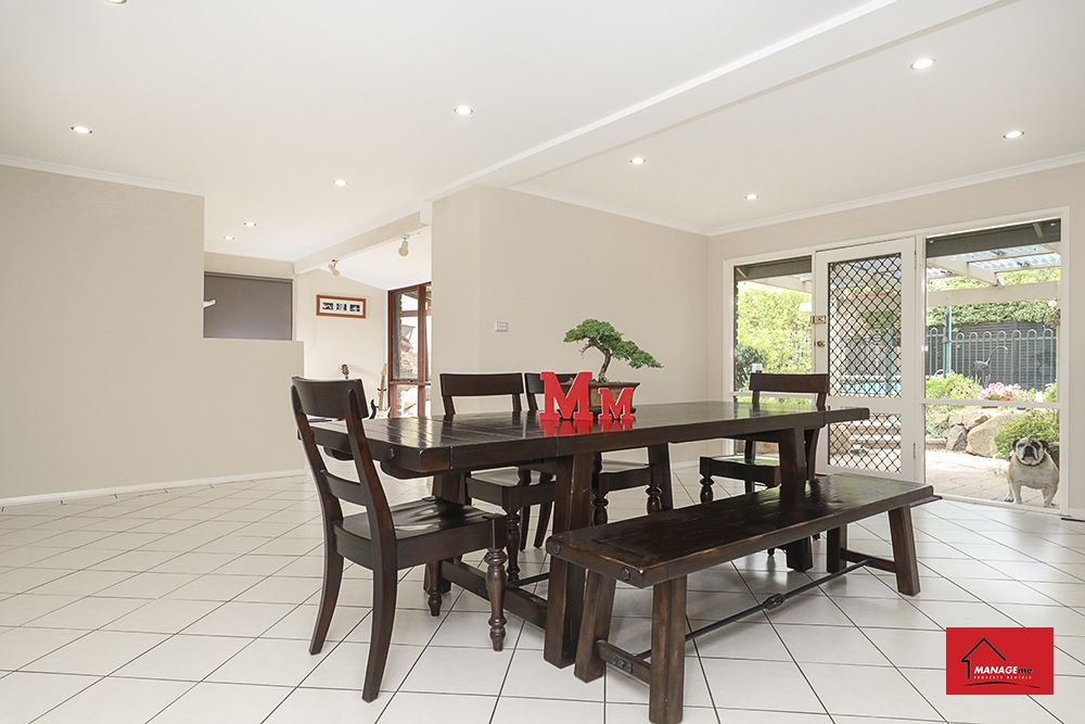 6 Linton Place, Calwell ACT 2905, Image 2