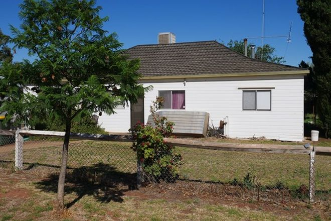 Picture of 21 Cedar Street, LEETON NSW 2705