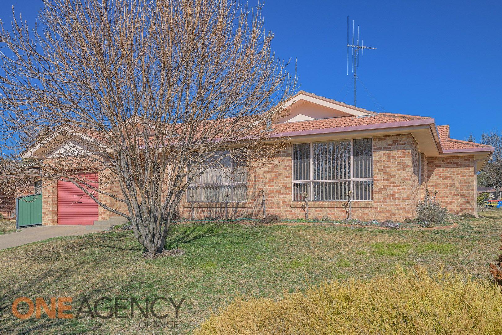 6 Angus Place, Orange NSW 2800, Image 0