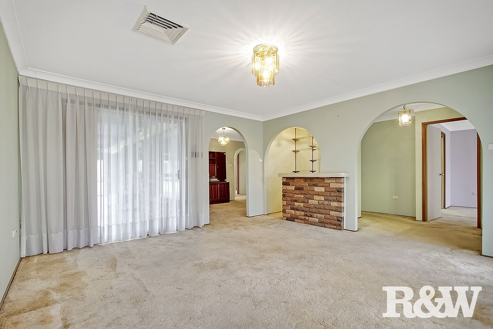 33 Banks Drive, St Clair NSW 2759, Image 2
