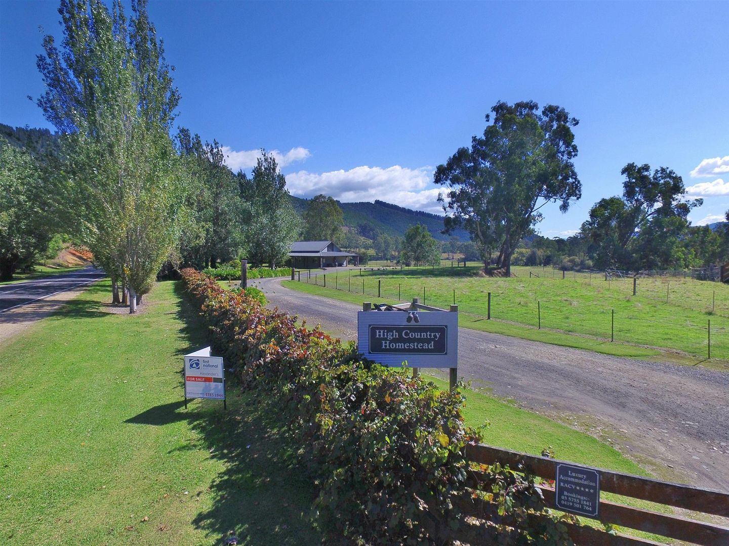 7369 Great Alpine Road, Bright VIC 3741, Image 0
