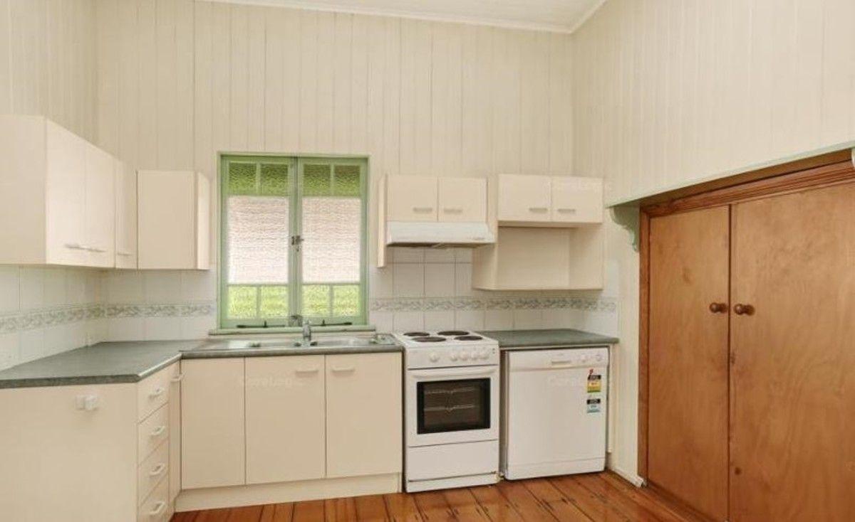 72 Pembroke Road, Coorparoo QLD 4151, Image 2