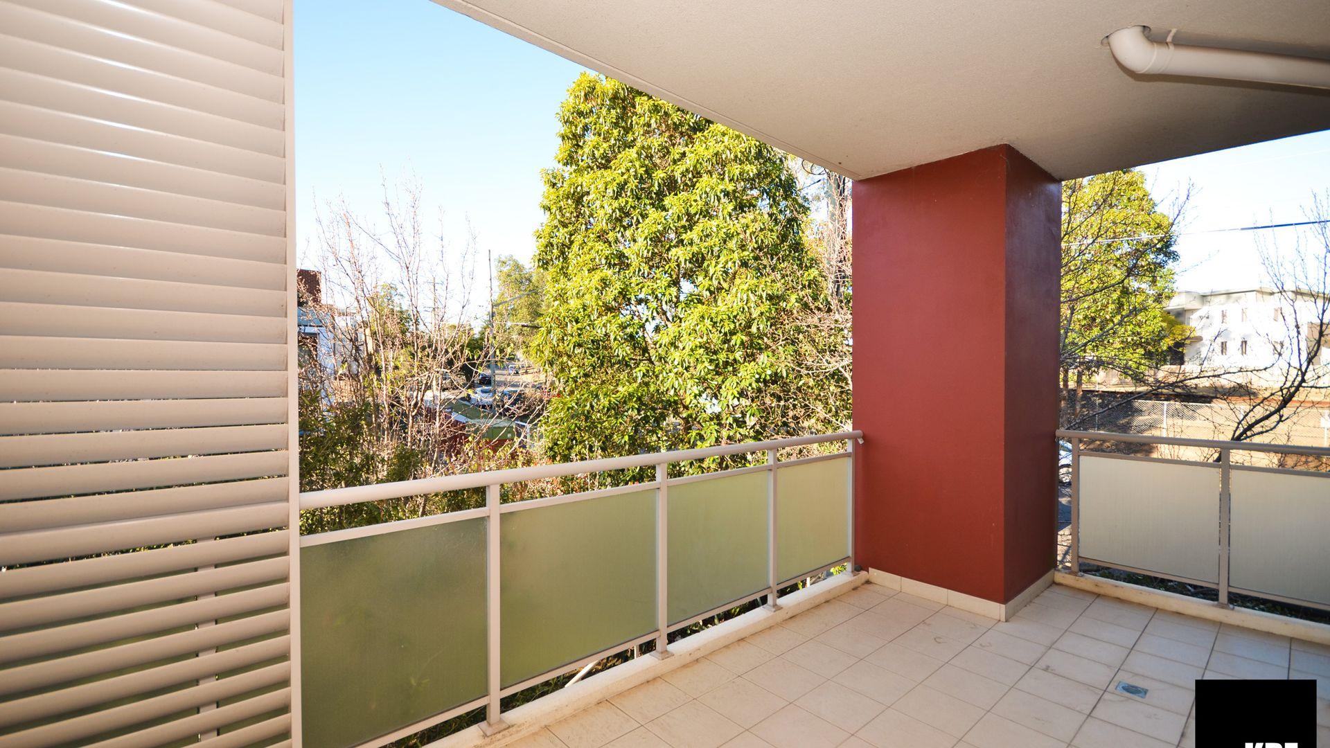 2/61-63 Adderton Road, Carlingford NSW 2118, Image 2