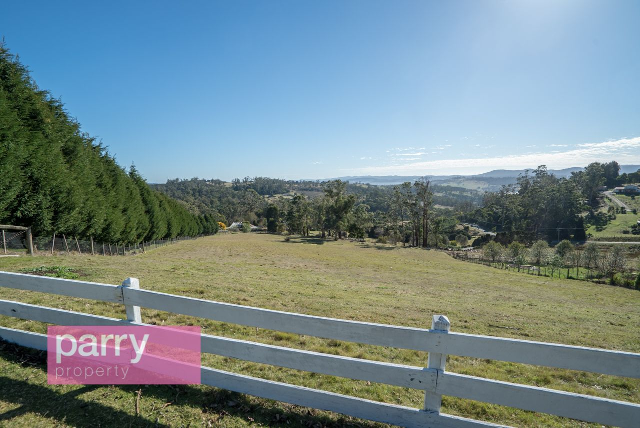 8 Mountain View Crescent, Grindelwald TAS 7277, Image 0