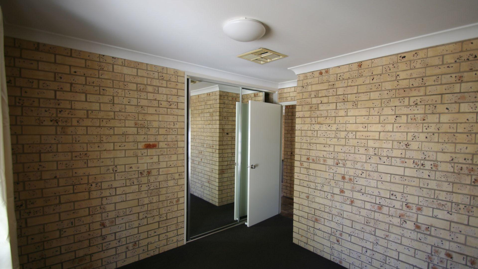 1/98 Baker Street, Emerald QLD 4720, Image 10