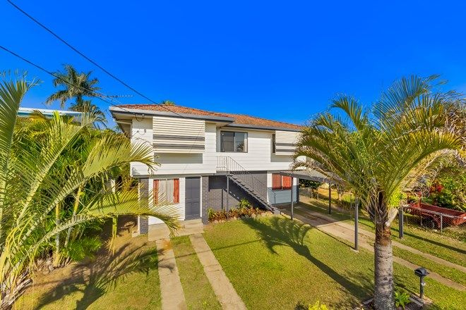 Picture of 220 Scarborough Road, SCARBOROUGH QLD 4020