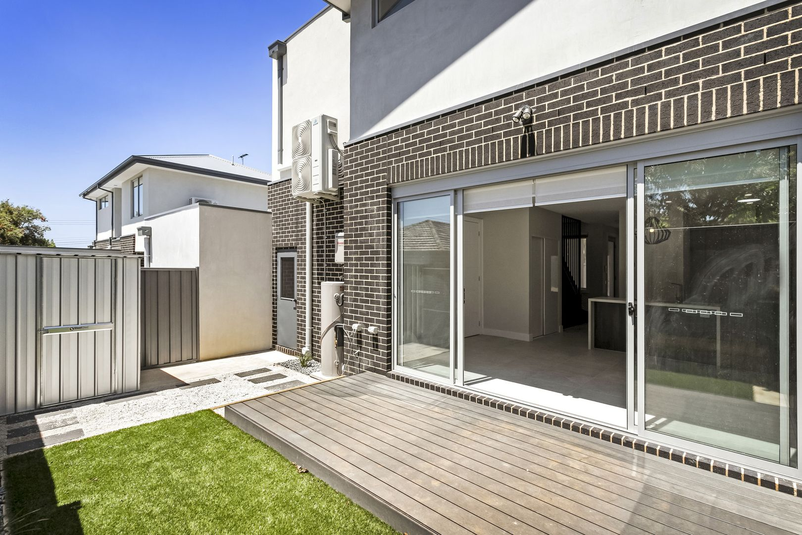 3/7 Garnet Street, Essendon West VIC 3040, Image 2