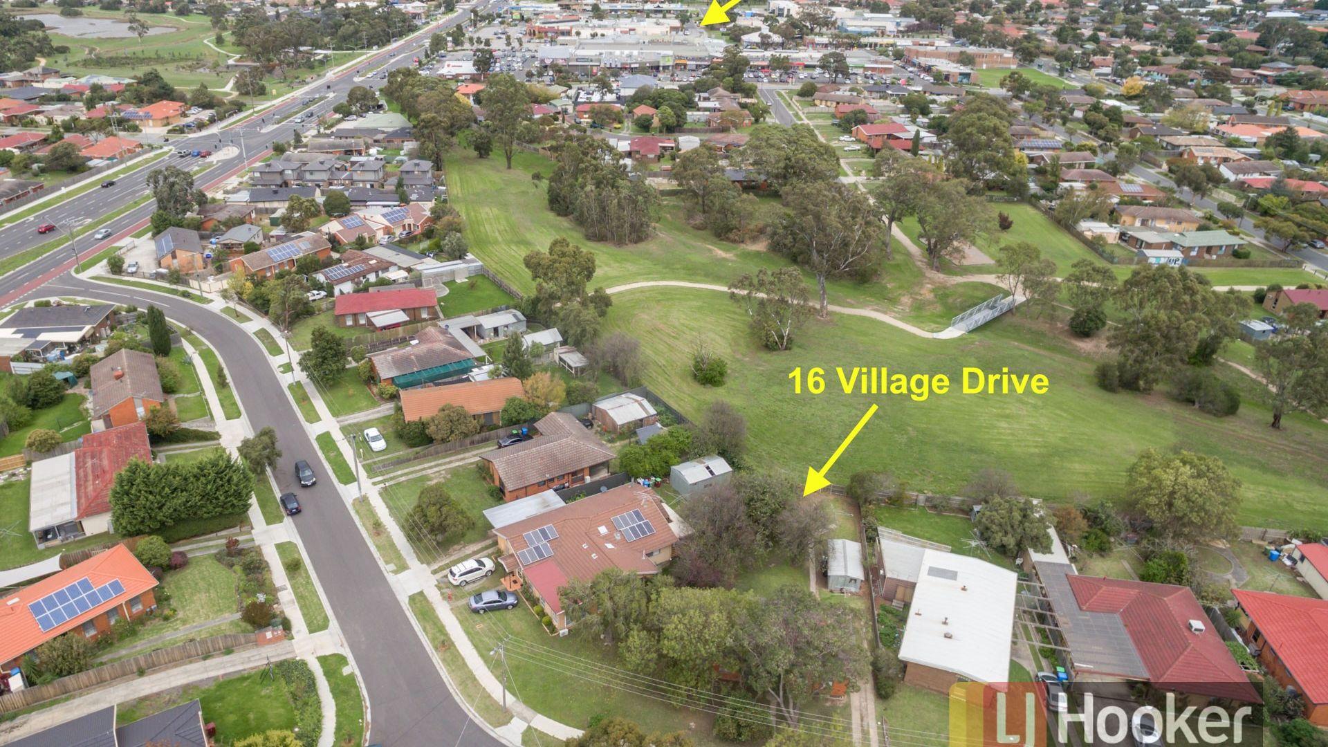 16 Village Drive, Hampton Park VIC 3976, Image 2