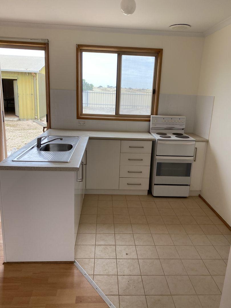 19 Pebble Beach Rd, Port Victoria SA 5573, Image 2