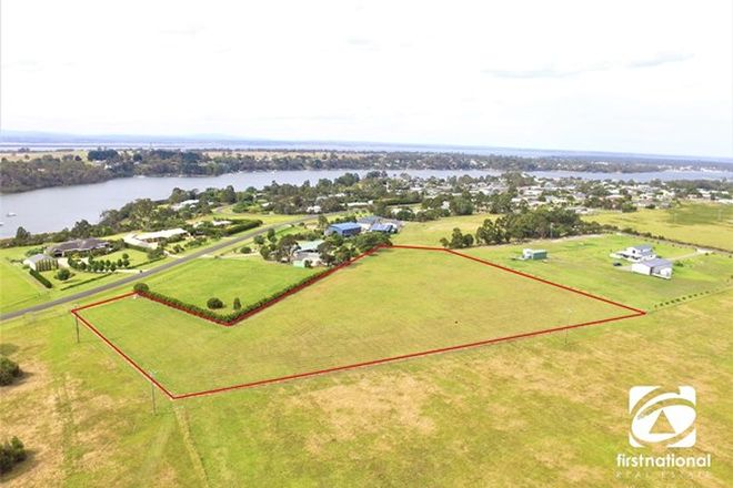 Picture of 39 Simpsons Drive, NEWLANDS ARM VIC 3875
