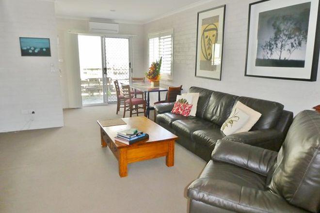 Picture of 4- 27 BEACH STREET, YAMBA NSW 2464
