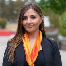 Rawand Hana, Sales representative